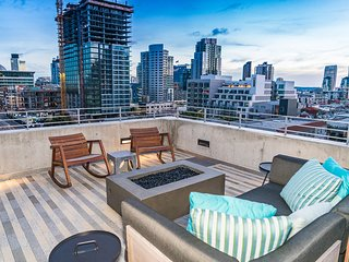 Private 5 Star 2 BR Loft in SD East Village with GYM + FREE PARKING