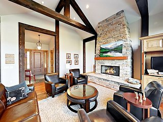Luxe 5BR Vail Valley Home - Hot Tub, Game Room, Deck, Stunning Mountain Views