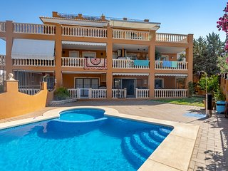 Superb 3 bedroom ground floor 20m from the sandy beach of Javea