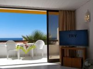 Sea View, Albufeira Old Town, Pool , Free Wi-Fi, 450 metres to Beach.