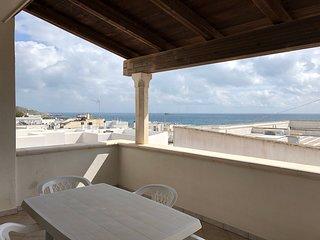 Appartamento Panoramico fronte mare