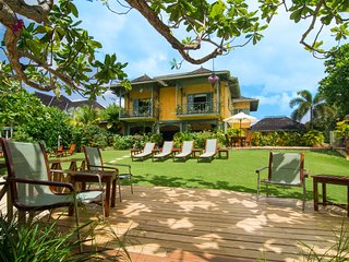 BEACHFRONT, LUXURY, TENNIS, GYM, SEA KAYAKS, 6 BEDROOMS!