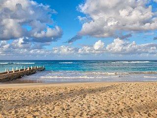 Sunspot Beachfront Villa - Pool - Staff - Love this place - 4BR