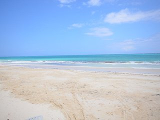 AFFORDABLE! POOL! STAFF! WALK TO BEACH-Mi Amor, Silver Sands 5BR