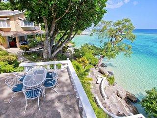 WATERFRONT SNORKELING HEAVEN-Wonderful Waterfront Villa, Pool
