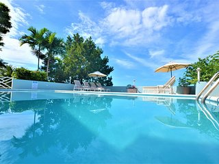 FULLY STAFFED! POOL! BUTLER! CHEF! BEACH CLUB! SEAVIEWS! Serendipity, 6BR