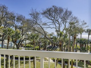 211 Barrington Court - Oceanfront, Coastal Chic - Fido Friendly