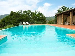 Prata Apartment Sleeps 4 with Pool - 5764043