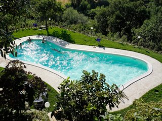 1 bedroom Apartment with Pool - 5764265