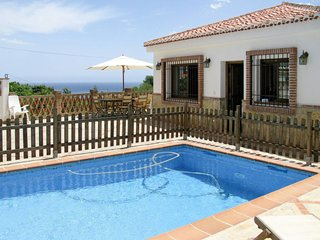 5 bedroom Villa with Pool, WiFi and Walk to Beach & Shops - 5783062