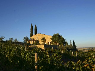 Montalcino Apartment Sleeps 3 with Pool - 5765053