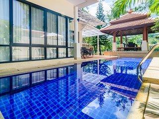 Villa in 5 * hotel Angsana Village Resort by Indreams