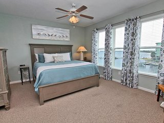 Navy Cove Harbor 2213- Memories are Made at the Beach!