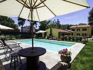 Villa Nonni, family farmhouse with private pool
