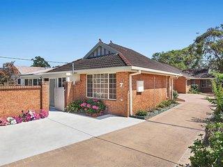 3B Villa In The Heart of Umina Beach!
