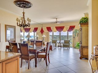 Stunning Gulf Front Condo!  FREE Golf & Parasailing!