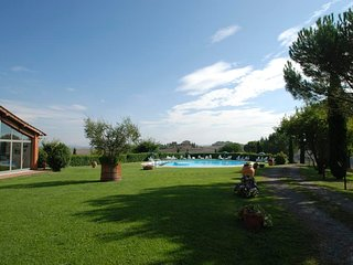 Area Produttiva Isola d'Arbia Apartment Sleeps 4 with Pool and Air Con - 5763200