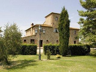 San Giovanni Valdarno Apartment Sleeps 4 with Pool - 5778260