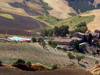 Ciolino Apartment Sleeps 3 with Pool - 5765099