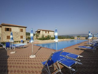 Lajatico Apartment Sleeps 5 with Pool - 5762837