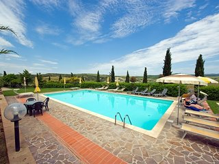 San Quirico d'Orcia Apartment Sleeps 4 with Pool - 5762273