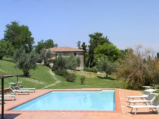 Palazzone Apartment Sleeps 6 with Pool and WiFi - 5764103