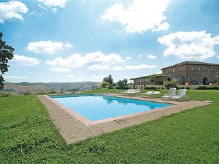 2 bedroom Villa with Pool and WiFi - 5763861