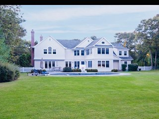 *BRAND NEW* Hamptons Luxury — 5900sqf with Huge Backyard — Perfect for Families!