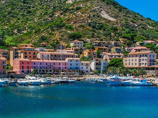 Giglio Castello Holiday Home Sleeps 2 - 5764171