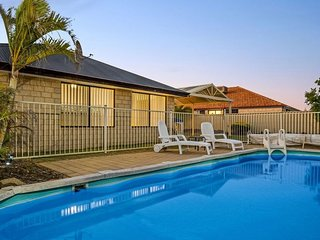Family house, quiet location, pool, Foxtel A/C