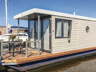 Awesome ship/boat in Demmin w/ 1 Bedrooms