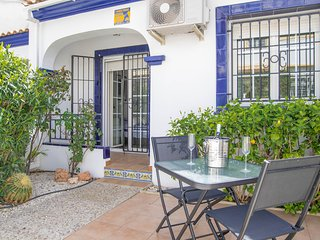 Beautiful Two Bedroom House with communal pool.