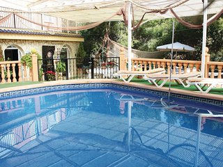 Amazing home in Totana w/ Jacuzzi, Outdoor swimming pool and 5 Bedrooms