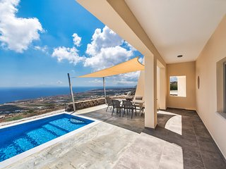 Assyrtiko with pool, part of Theano Apartments a complex of two private houses