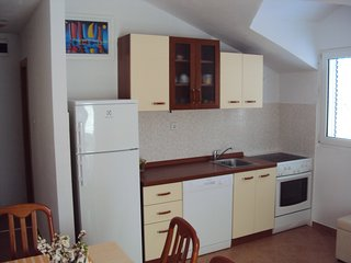 Solta holiday place, Donja Krusica