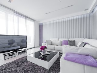 Apartment Violet - Two Bedroom Apartment with Balcony and Sea View