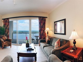 Deluxe Suite in Resort with Grand Lake and City Views <1 Mile to Disney World