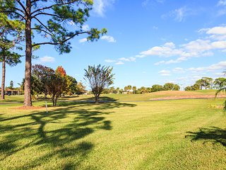 GOLF COURSE VIEW 2 bedroom 2 bath condo!