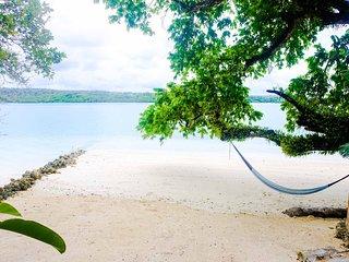 Santo Beach Bungalows- 'Banya Sunset on Surunda Bay' Absolute beachfront access