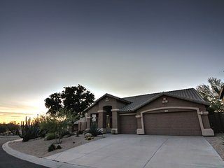 McDowell Mountain Ranch Villa w/ Heated Pool, Fire Pit & BBQ - Sleeps 10!