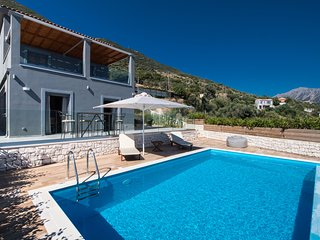 Get 10%Off AtStunningVilla Ostria With PrivatePool InVasiliki Lefkada Until 18/7