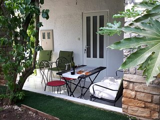 Petrcane Apartment Sleeps 4 with Air Con - 5784185