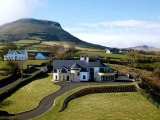 Red Bay Manor- Causeway Coast Rentals