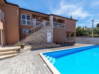 Appartamento moderno Tar-Poreč NOA3 piscina Wi-Fi terrazzo barbeque sala giochi