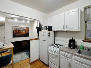 Roberta's NYC's Classic #4 - Two Bedroom Apartment - Apartment