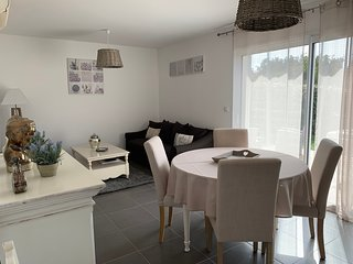 Villa n° 2  - Proche plage St Cyprien - 4 personnes