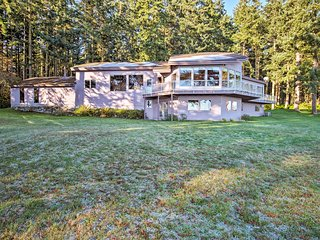 Marrowstone Island Home on Puget Sound w/Mtn Views