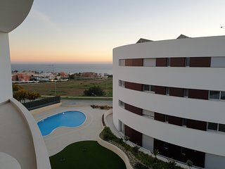 Apartment | Ocean View | 2 Pools | 3 Mins from Praia Porto de Mos | Lagos