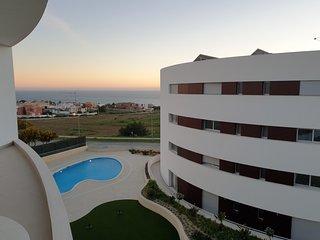 Apartment | Ocean View | 2 Pools | 3 Mins from Praia Porto de Mos | Lagos