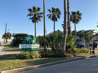 Luxury 2 bedroom/2 bath condo with Gulf of Mexico and sunset view